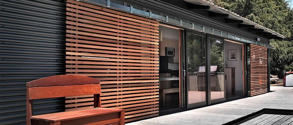 portes montr al portes semi pliantes portes d entr e portes relevables et coulissantes. Black Bedroom Furniture Sets. Home Design Ideas