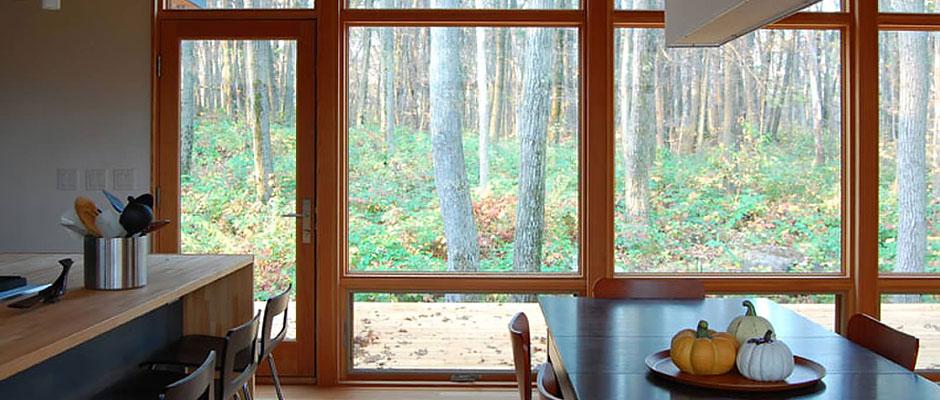 fenetre fixe panoramique avantages et with fenetre fixe panoramique grandes fentres pour belle. Black Bedroom Furniture Sets. Home Design Ideas